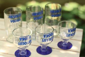 Pack de 6 Vasos Absolut más Pack de 6 Copas Absolut, la pareja perfecta y excelente para un regalo de matrimonio.            Precio: $34.990